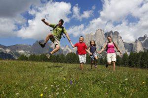 Vacanze-montagna-famiglia-estate-Fassa